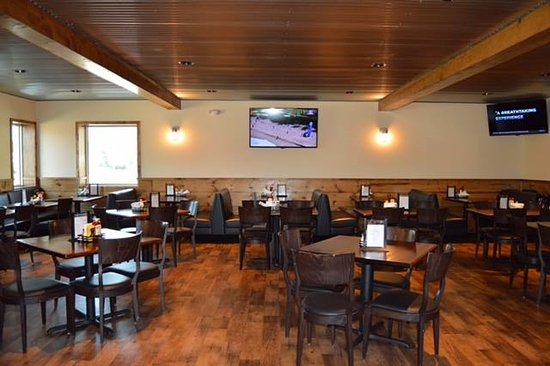 Tomahawk, WI: Dining room