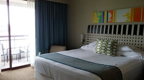 Bay Lake Tower at Disney's Contemporary Resort: Master in one bedroom - king size bed