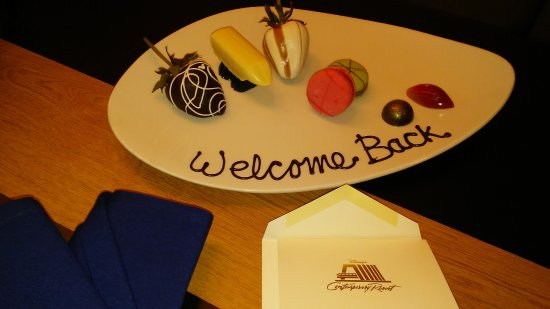 "Bay Lake Tower at Disney's Contemporary Resort: Our 5th stay and we received ""Welcome Back"" gift!"