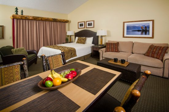 Stoneridge Resort: Studio unit with queen size bed and queen size (memory foam) hide a bed