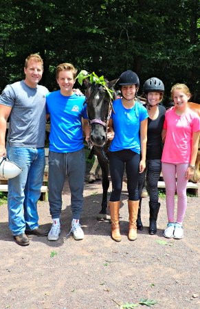 Deer Path Riding Stable: First timers with our youngest daughter's horse Elmo:)