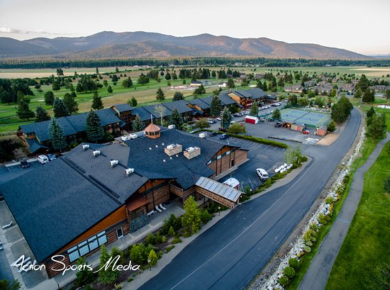 Blanchard, ID: Rec Center in foreground, condominiums behind. Rec Center. Area shown is Chatwold and Holiday Lo