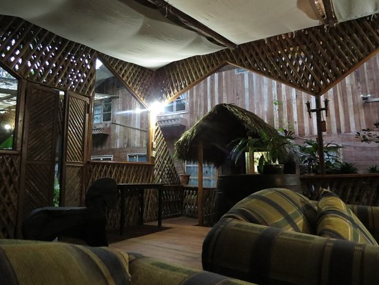 Hosteria Septimo Paraiso: Lounge area - comfortable seating and nice drinks