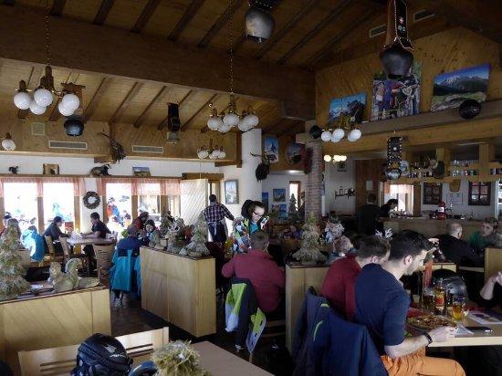 Toerbel, Schweiz: Ein Klasse Ausflugsziel mit tollem Essen und toller Aussicht auf die Walliseralpen. Tipp: Probie