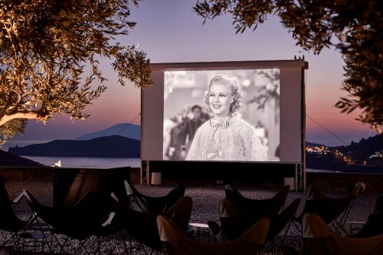 "Liostasi Hotel & Suites : Open Air Cinema ""Cine Liostasi"""