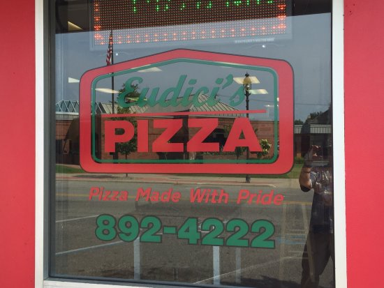 Bay City, MI: Eudici's Pizza