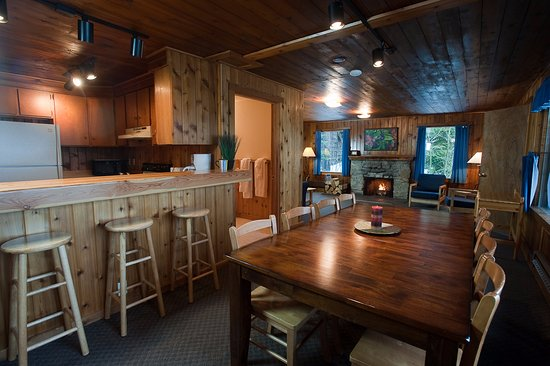 Priest Lake, ID: Lake side cabins, fully furnished