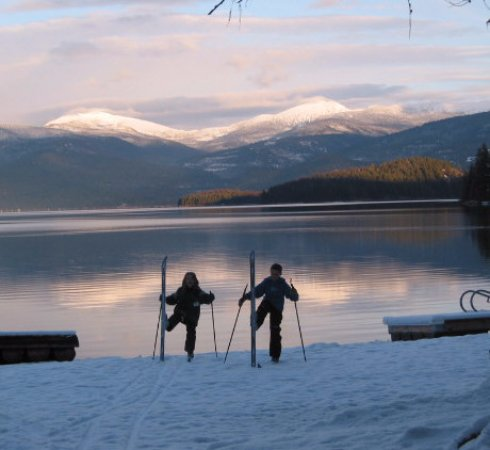 Priest Lake, ID: Lake side cross country ski