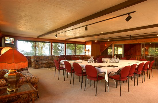 Luby Bay, ID: Corporate retreats offered September till June