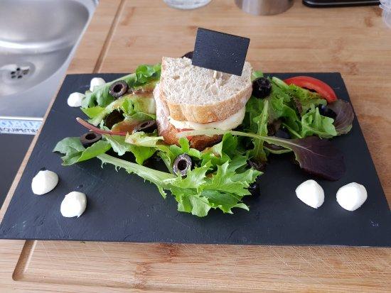 O P'tit Poêlon: Quelques plats réalisés dans nôtre restaurant.