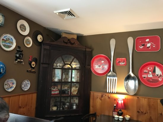 Best Wall decor - Picture of Wagon Wheel Restaurant, Gill - TripAdvisor AN15