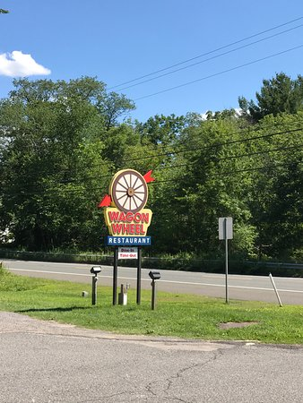 Gill, MA: Road sign