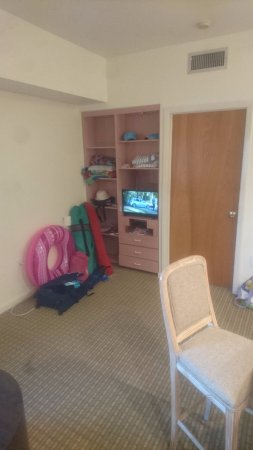 Crystal Beach Suites Hotel: Lots of room for gear