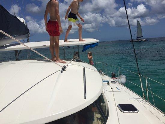 Saint James Parish, Μπαρμπάντος: hopping fra båt-tak
