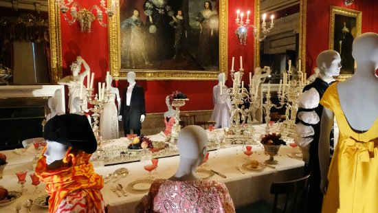 Chatsworth House: Dining Room Set Up