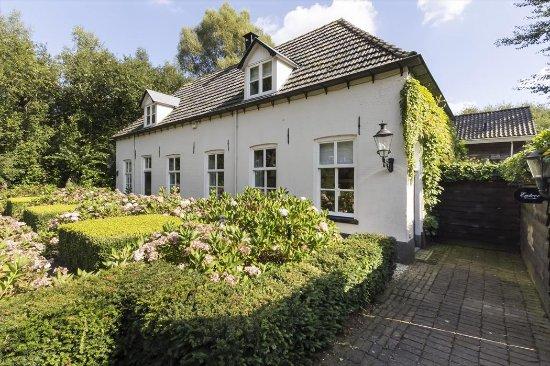 Hulshorst, The Netherlands: Hallenboerderij Het Wellnest stamt uit 1744