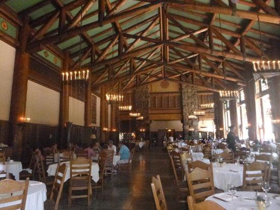 The Majestic Yosemite Dining Room: Beautiful Dining Room