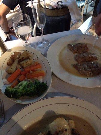Porto-bello Restaurant: Veal and veg