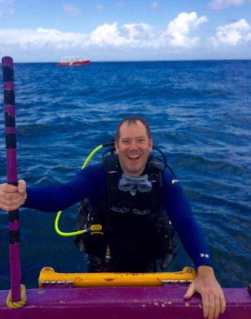 Sandy Bay, Honduras: Happy divers