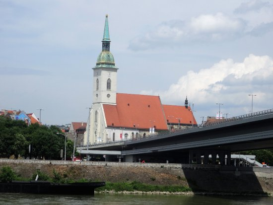 New Bridge (Novy Most): Inicío da ponte junto à catedral
