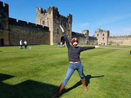 Alnwick, UK: Where Harry leaned to fly!