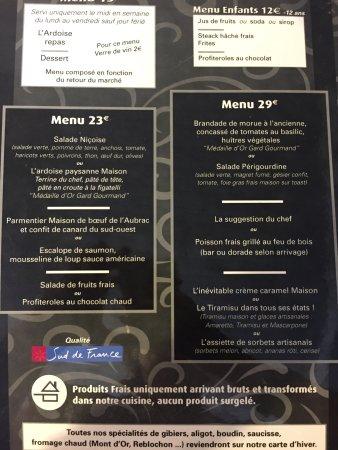 Tiramisu/ brochette de bœuf/ foie gras