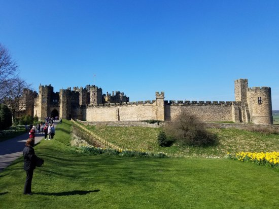 Alnwick, UK: The look back at the castle