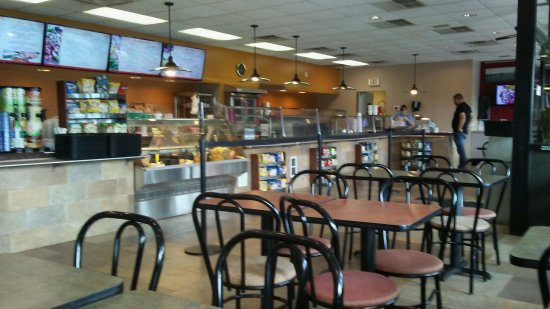 Camp Hill, PA: You Choose What Ya Want At the Deli, They Make It & You Pay At The End Of The Counter!