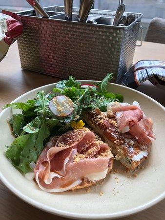 Williamstown, MA: Signature prosciutto salad