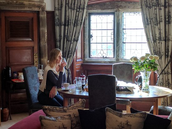 Paisley, UK: Breakfast in the billiard room