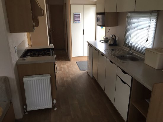 Solway Holiday Village: Kitchen