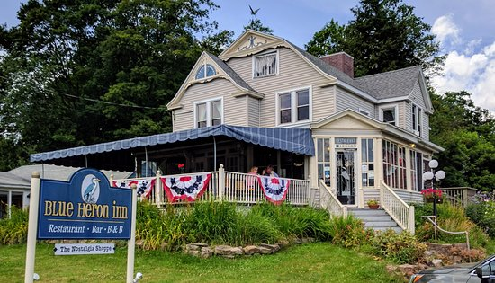 Findley Lake, NY: Blue Heron Inn, Restaurant on First Floor