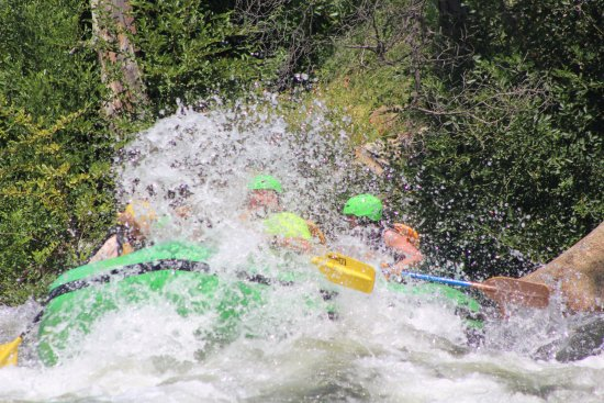 Kernville, CA: Awesome time navigating the Kern river with SoCal Rafting.