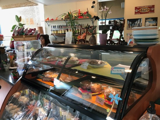 Lynnwood, WA: Great choices of pastries or sandwiches