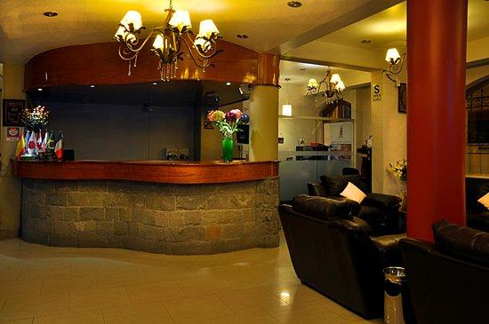 Casona Plaza Hotel : Recepcion