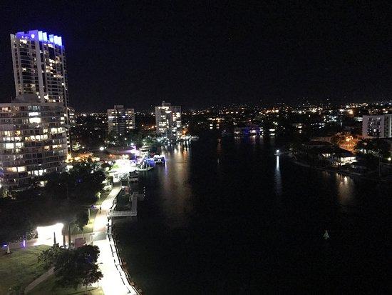 Vibe Hotel Gold Coast: photo2.jpg
