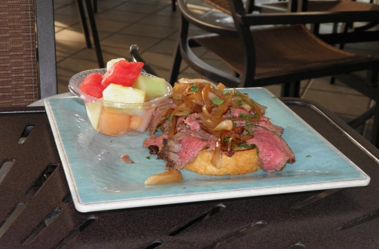 Stilts Bar & Grill: steak sandwich