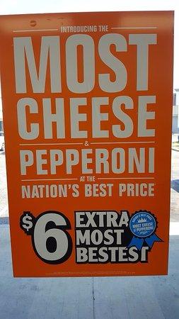 Эль-Кахон, Калифорния: ExtraMostBestest Pizza Sign