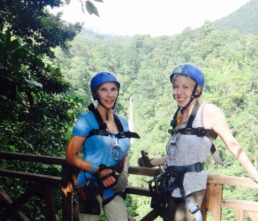 Arenal Mundo Aventura : On our way up!