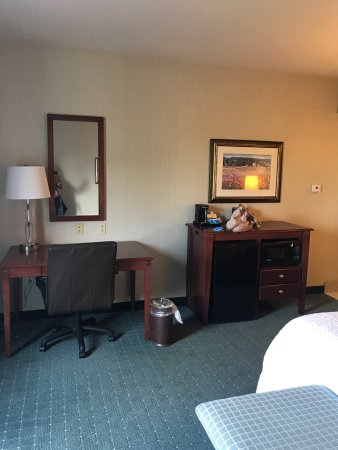 Hampton Inn & Suites Hartford/Farmington: photo1.jpg