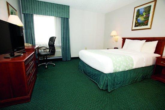 Gurnee, IL: Guest Room