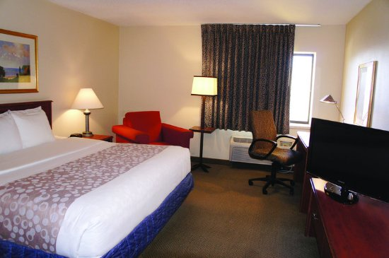 Hazelwood, MO: Guest Room