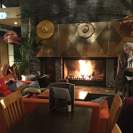 AmiGos Mexican Grill : centrepiece fireplace