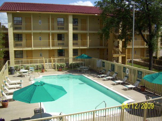 Temple, TX: PoolView
