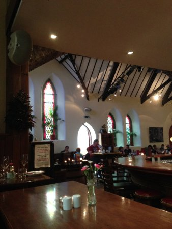 Killorglin, Ierland: Gorgeous interior used to be a church