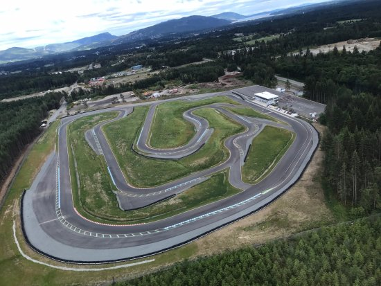 Lake Cowichan, Kanada: 2.3 km road course featuring 19 corners and 11.5% elevation changes