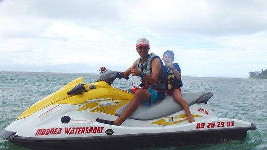 Vaiare, Polinesia Francesa: baptême jet ski enfant