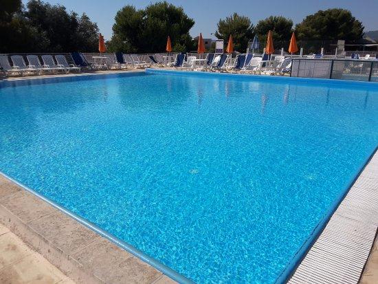 Porto giardino resort hotel monopoli puglia prezzi - Piccola piscina ...