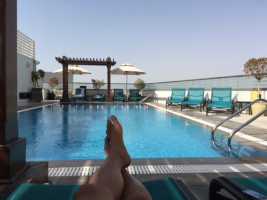 Bathroom picture of hilton garden inn dubai al muraqabat - Hilton garden inn dubai al muraqabat ...