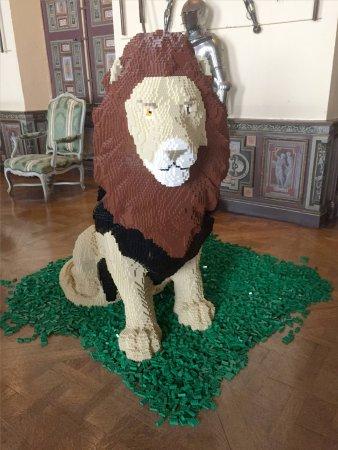 Cheverny, فرنسا: Lion en Lego